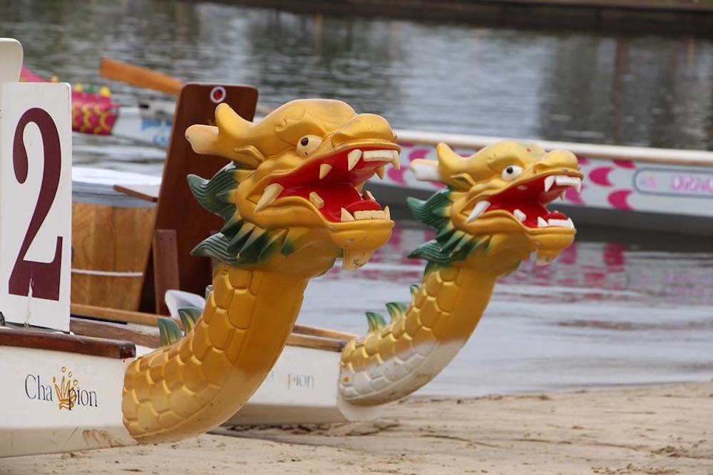 breast_cancer_survivor_fitness_brisbane_dragon_boat_paddling