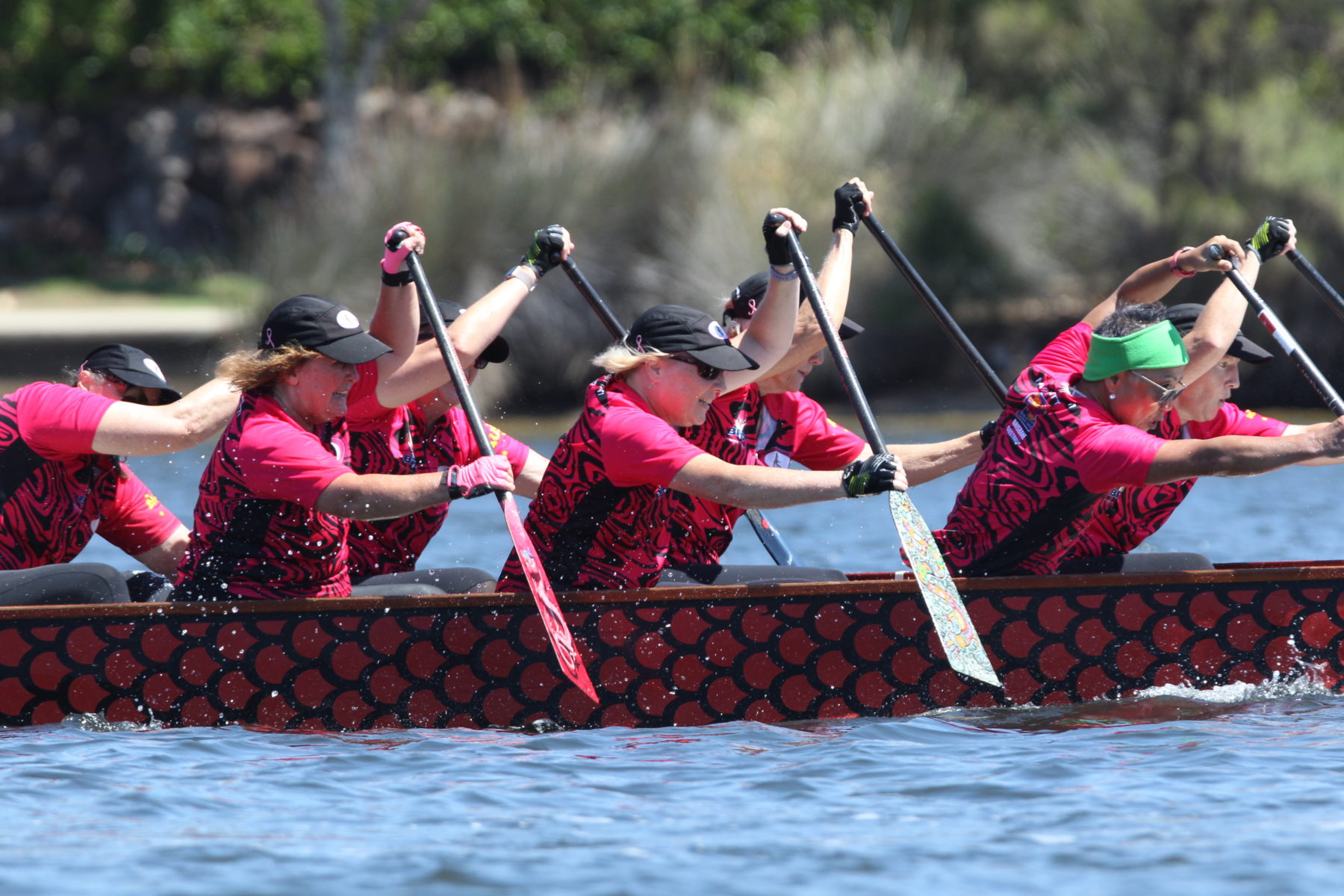womens-fitness-after-breast-cancer-dragon-boat-paddling